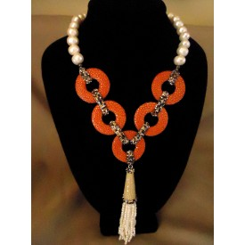 http://lindasilverdesigns.com/shop/1718-thickbox_default/pearl-with-coral-skin-circle-necklace-decorative-hanging-pearl-tassel-.jpg
